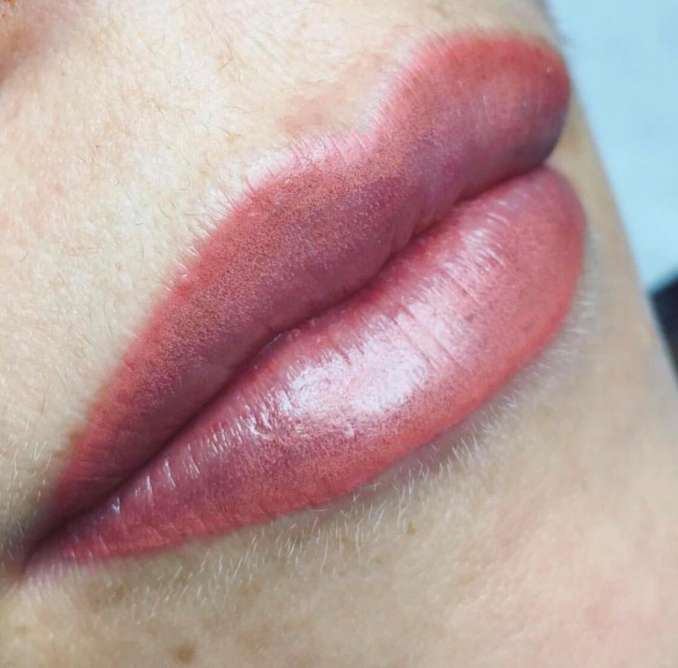 lip liner and contour